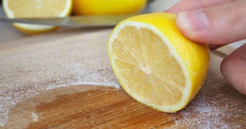 Чем отмыть хрусталь от желтизны, чтобы он блестел, какая бытовая химия эффективна