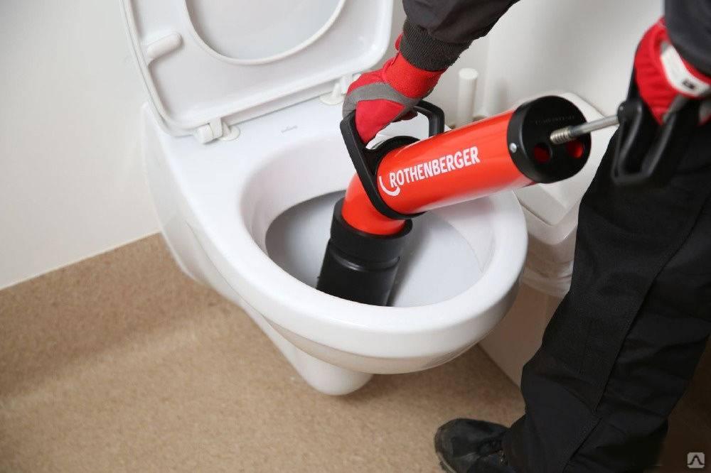 Как прочистить канализацию и устранить засор своими руками