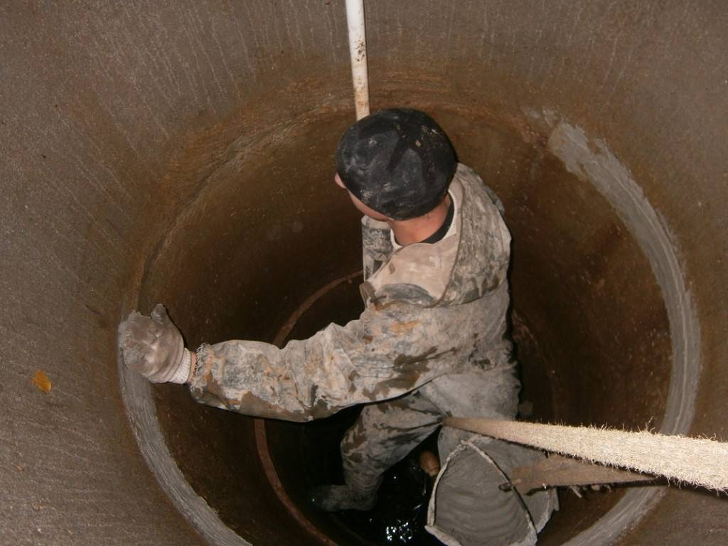 Ремонт колодца своими руками: порядок проведения плановых и экстренных ремонтных работ