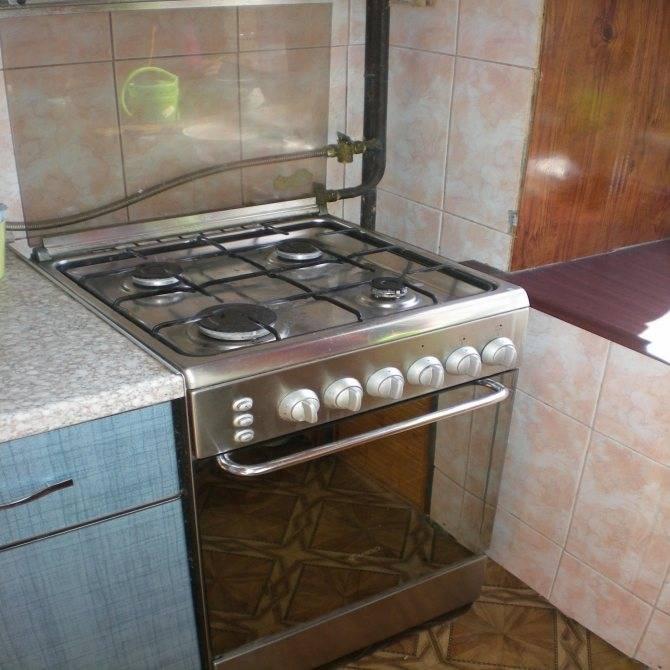 Где должна стоять газовая плита на кухне по правилам