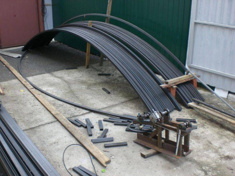 Как согнуть трубу: в домашних условиях без трубогиба из металла и нержавейки, фото инструкция выполнения работ