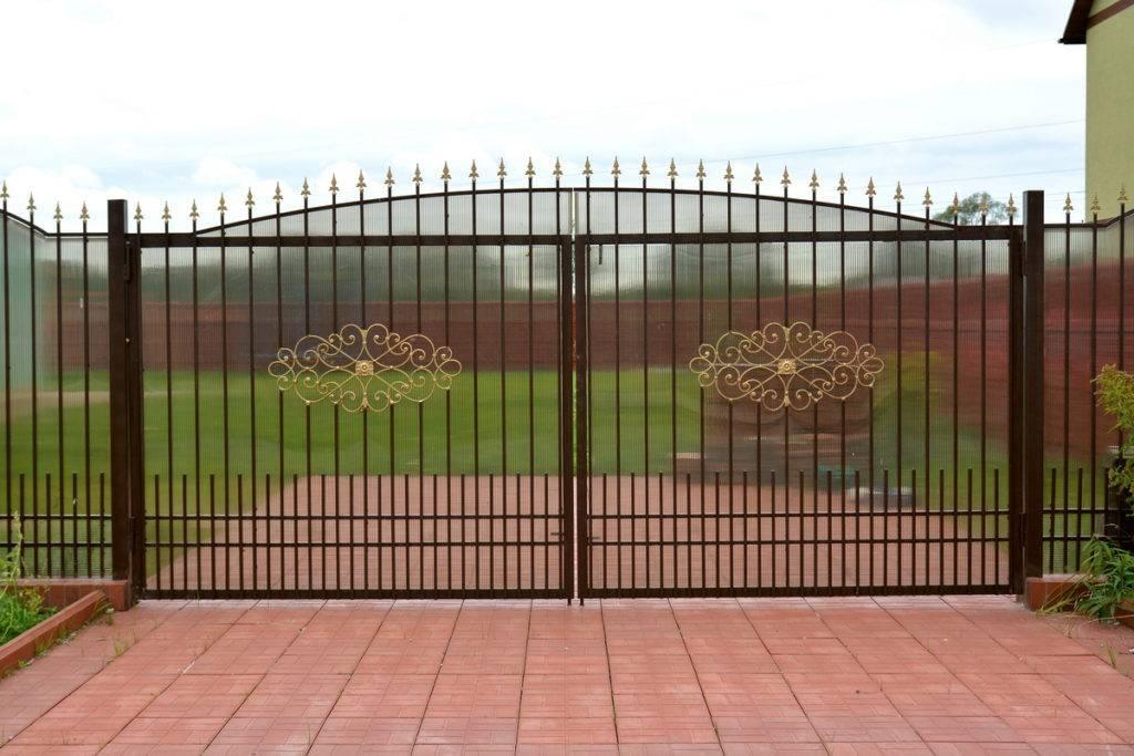 Ворота для частного дома: дизайн и модели