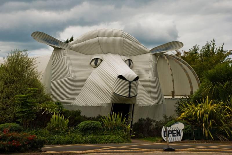 ???? 10 самых необычных домов: странные архитектурные решения