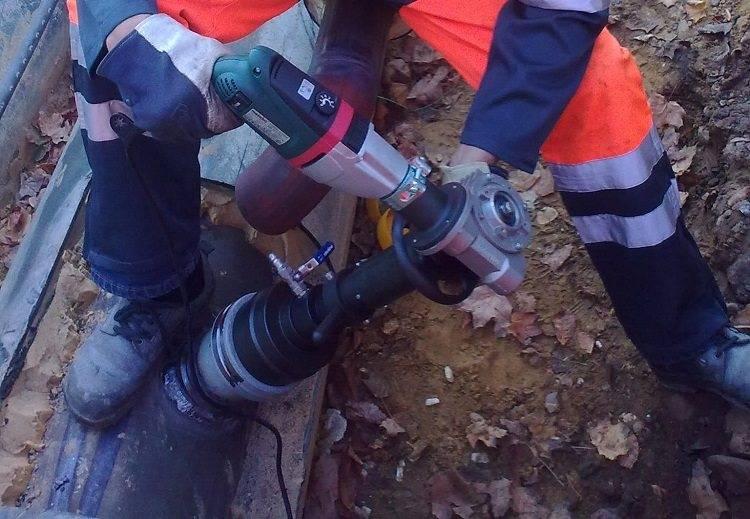 Врезка в трубу без сварки: обзор лучших способов и технологий