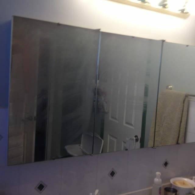 Советы хозяйкам: что делать, чтобы зеркало в ванной не запотевало, какими средствами можно обработать? – сделаем мебель сами
