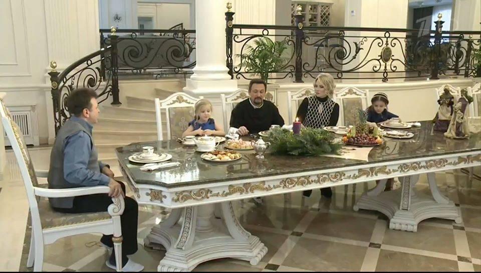 Где живут знаменитости на рублевке: фото домов, интерьер, экстерьер