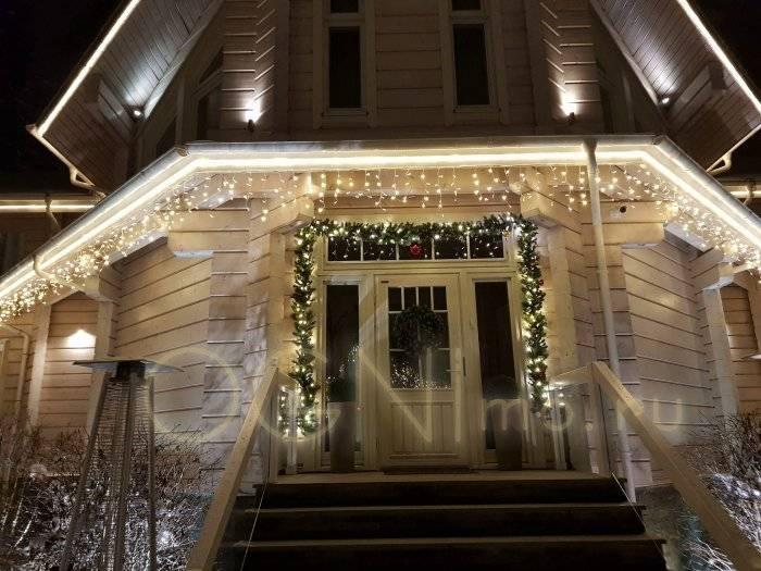 Декоративная и функциональная роль подсветки фасада частного дома, виды и варианты освещения, тонкости светового дизайна - 22 фото