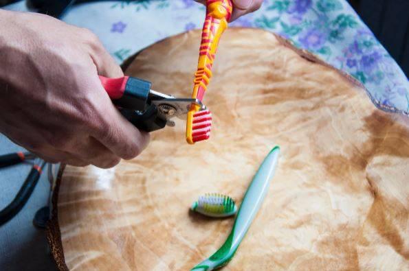История одной вещи: зубная щетка - dentalmagazine.ru