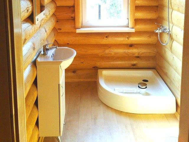 Как сделать душ в деревянном доме своими руками? инструкции +видео и фото