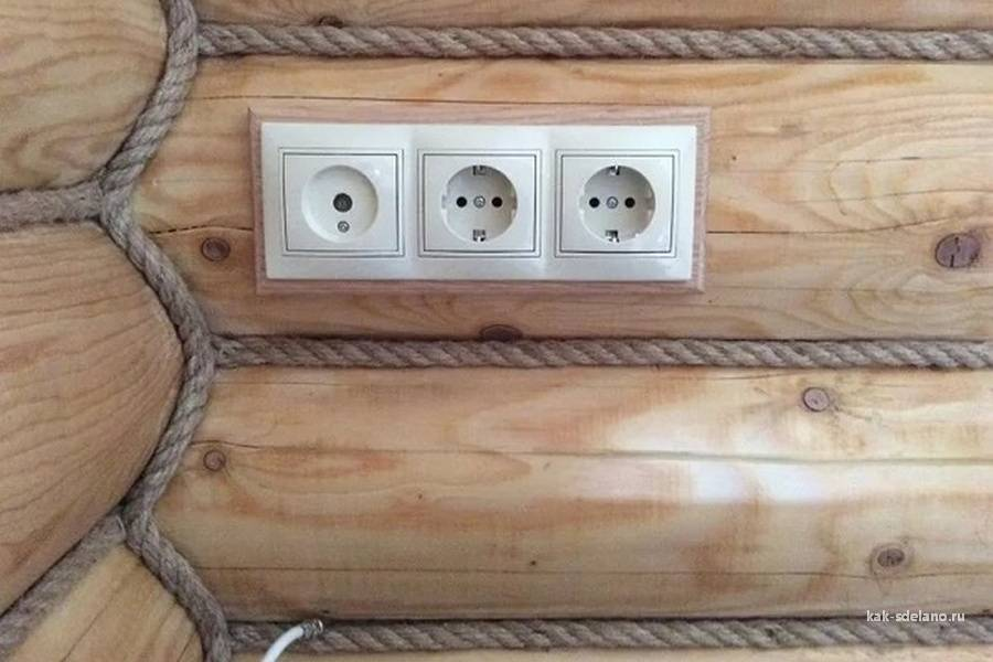 Особенности и некоторые секреты монтажа открытой проводки в деревянном доме своими руками