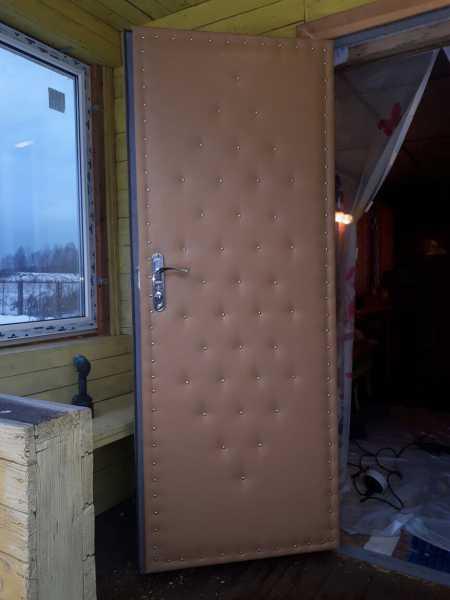 Как утеплить дверь в частном доме