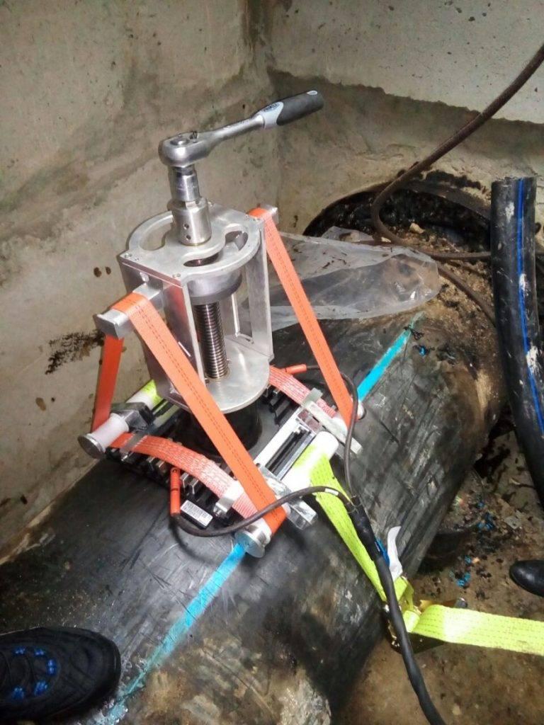 Врезка в пластиковую трубу без сварки с помощью патрубков, седелок и специальных адаптеров