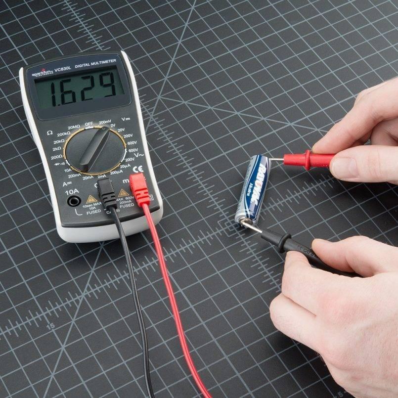 Проверить напряжение в розетке легко: инструкция, нормы, инструменты