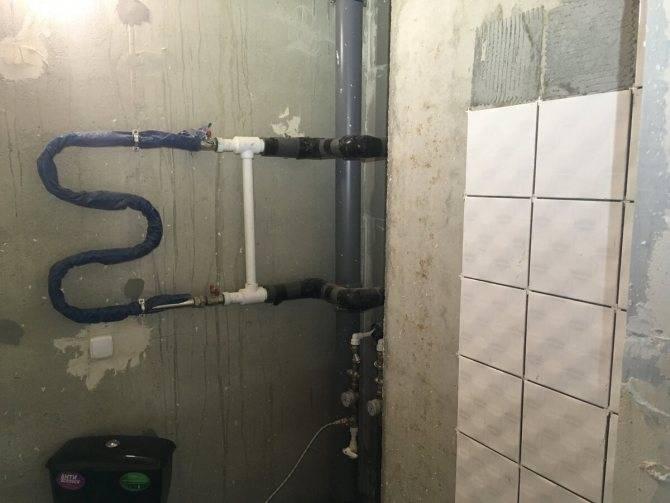 Перенос полотенцесушителя на другую стену в ванной: зависимость от конструкции и согласование и работ