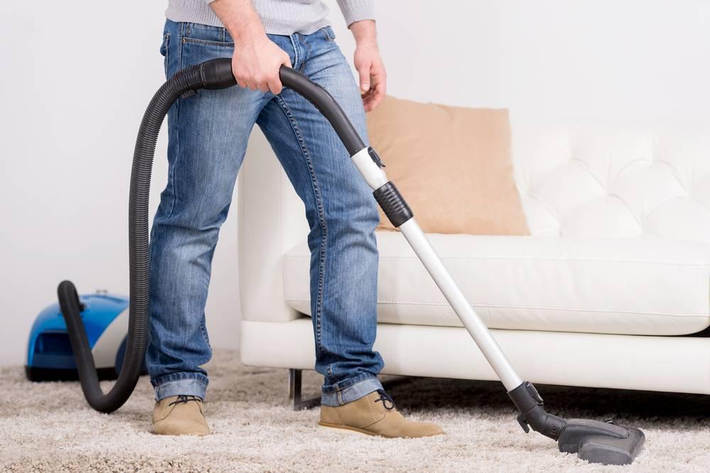 Сначала пылесосить или мыть пол: рекомендации специалистов клининга, что делать в первую и вторую очередь для наиболее качественной уборки
