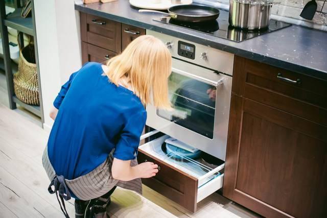 Зачем на самом деле у плиты есть нижний ящик и что туда можно поставить