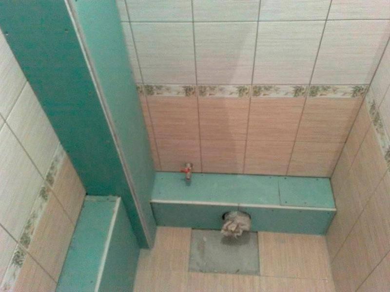 Как и чем спрятать трубы в туалете