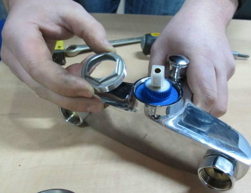 Как разобрать однорычажный смеситель: пошаговая инструкция своими руками, виды, строение, техника ремонта, фото, видео инструкция