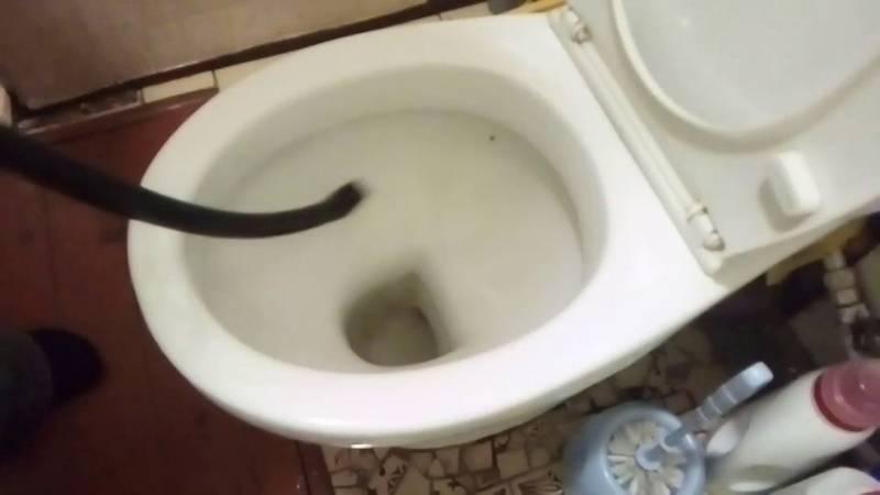 Как устранить засор в канализационной трубе: как прочистить сильный механическими способами, убрать народными средствами и бытовой химией в домашних условиях?