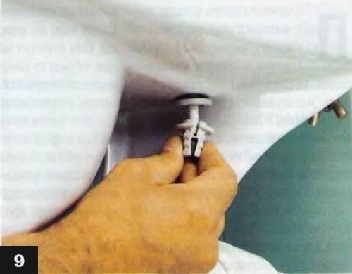 Как снять крышку унитаза и заменить ее на новую: обзор - учебник сантехника | partner-tomsk.ru