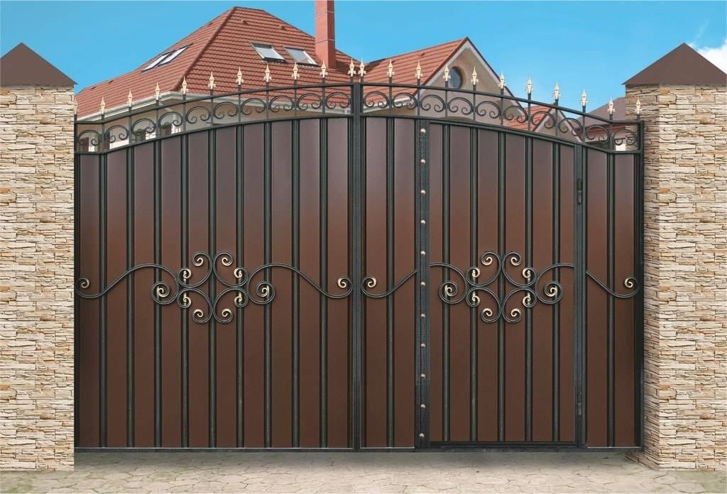 Ворота для дома: виды (с калиткой и без), оптимальная ширина конструкции для частного строения