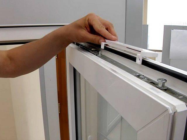 Как установить клапан на окно: как поставить своими руками вентиляционный приточный воздушный механизм и закрыть его на пластиковом стеклопакете пвх, чем заткнуть?