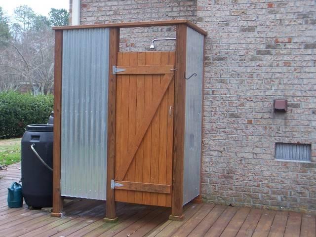 Деревянные душевые кабины для дачи: строительство летнего варианта своими руками