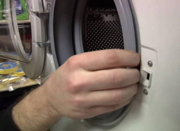 Стиральная машина не отжимает белье: почему не работает отжим, причины