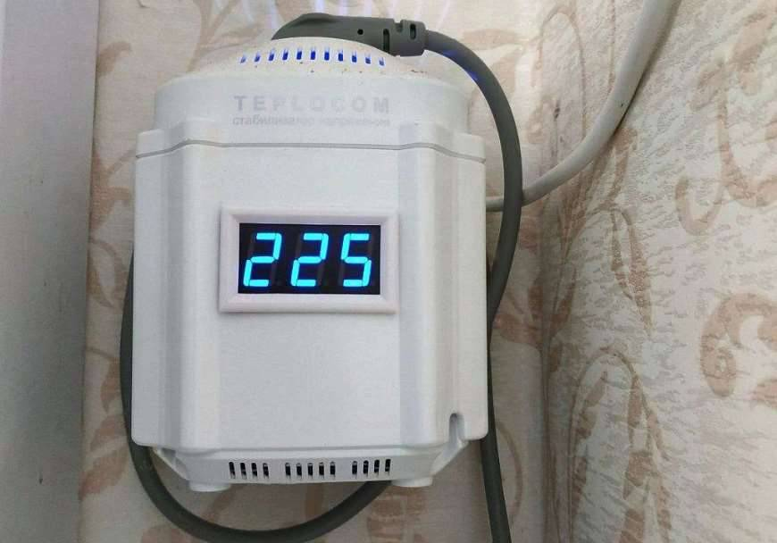 Стабилизатор напряжения для газового котла: типы, характеристики, особенности и критерии выбора