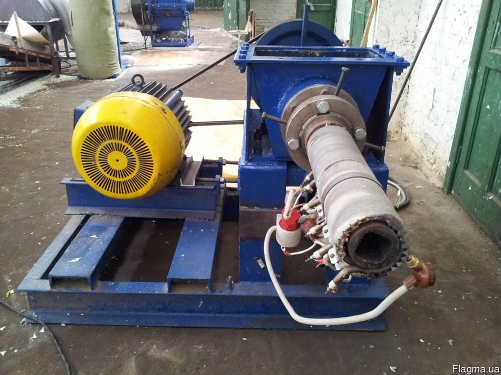 Интересная конструкция пресса для изготовления топливных брикетов