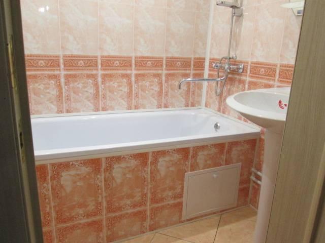 Как отделать ванную комнату пластиковыми панелями - пошаговая инструкция с видео