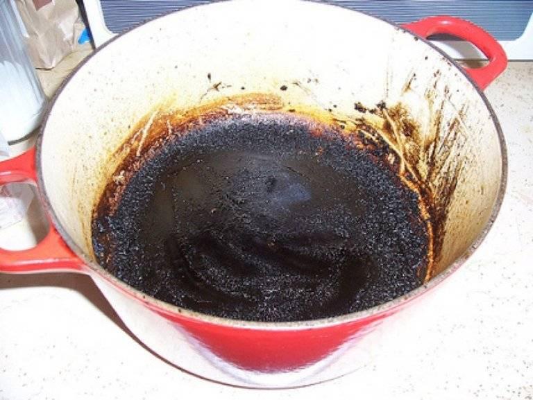 Пригоревшая кастрюля (очистить, отмыть) как, чем: от нагара