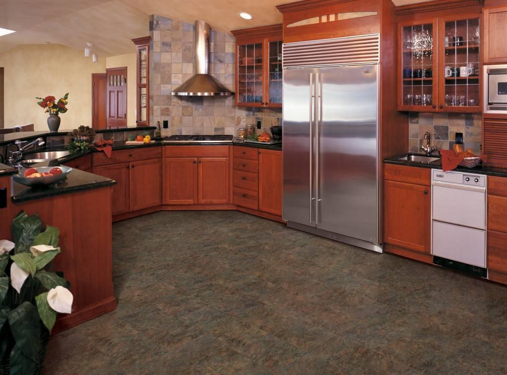 Какой потолок лучше сделать на кухне: эксперт рекомендует