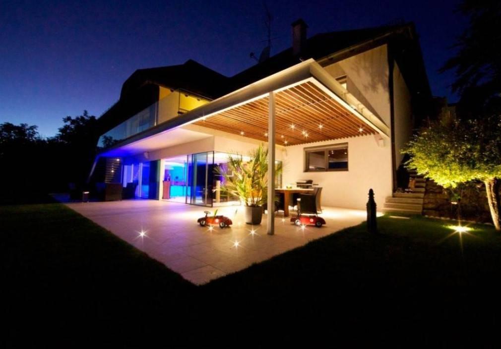 Освещение фасада частного дома: 100 лучших фото - типы освещения и выбор светильников