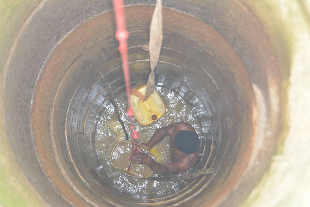 Почему вода в колодце желтая и как это исправить