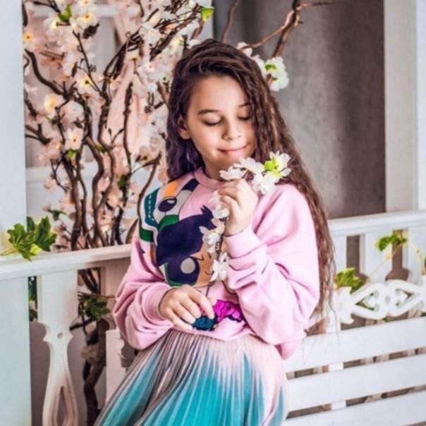 Милана некрасова (лайкерша милана): биография, фото, сколько лет, где живет, рост, вес, мама, факты