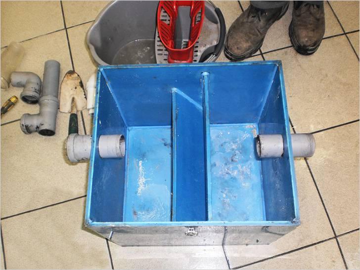 Жироотделитель для канализации — все, что нужно знать об устройстве