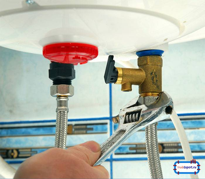 Как правильно сливать воду из водонагревателя (бойлера)