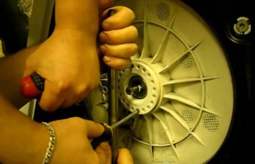 Инструкция по замене подшипника барабана своими руками