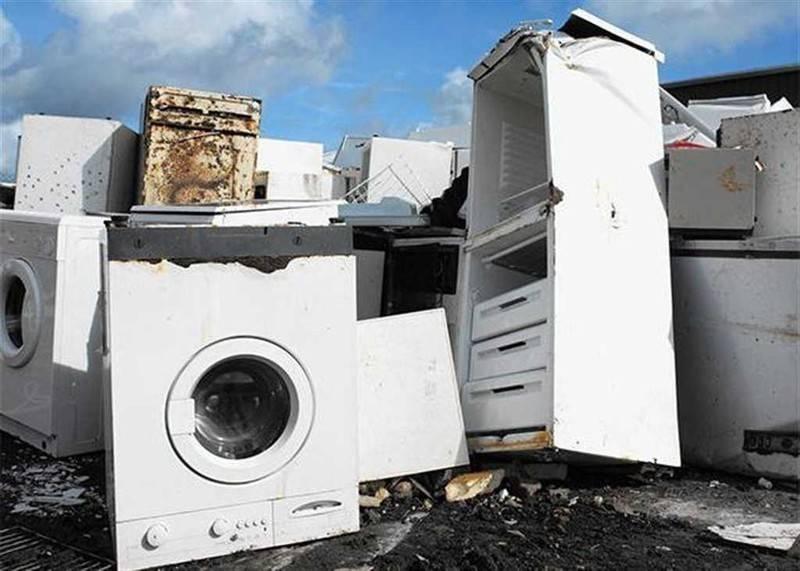 Утилизация старых неработающих холодильников: куда сдать