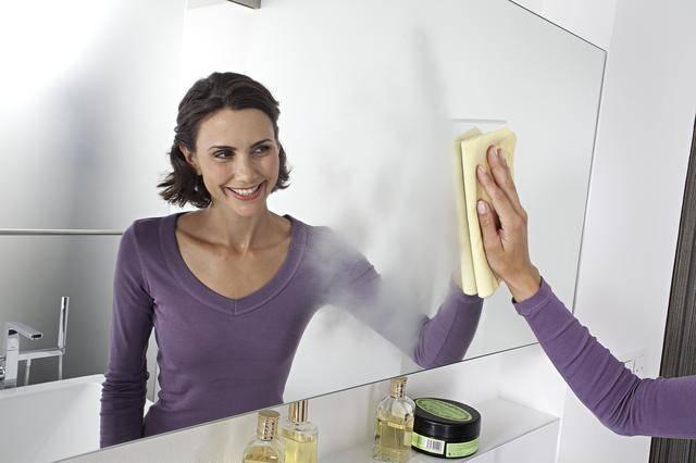 Чтобы не потело зеркало в ванной