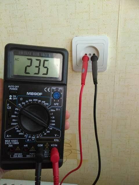 Как проверить напряжение в розетке мультиметром и измерить - точка j