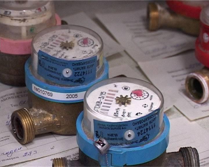 Поверка счетчиков горячей воды: сроки проверки по закону, возможна ли без снятия прибора, сколько стоит процедура на дому
