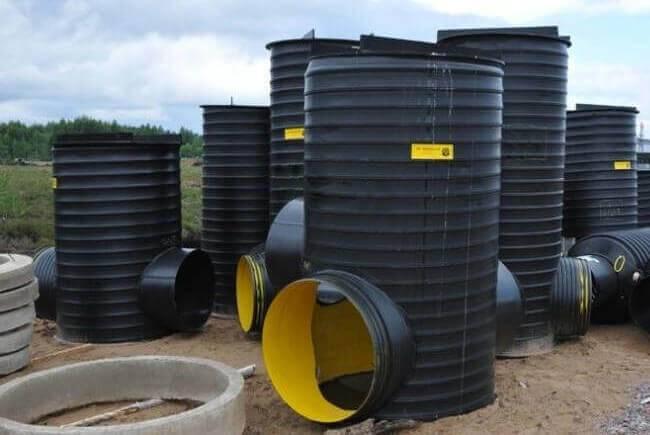 Пластиковые канализационные люки: плюсы и минусы использования