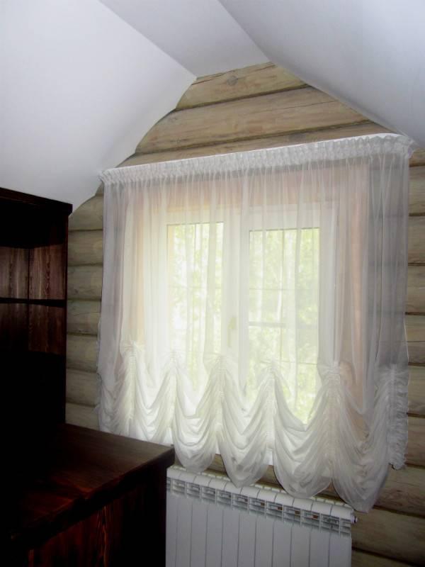 Как разгладить тюль без утюга после стирки прямо на окне, при помощи пара, отпаривателя и других методов, которые сделают мятую ткань абсолютно ровной