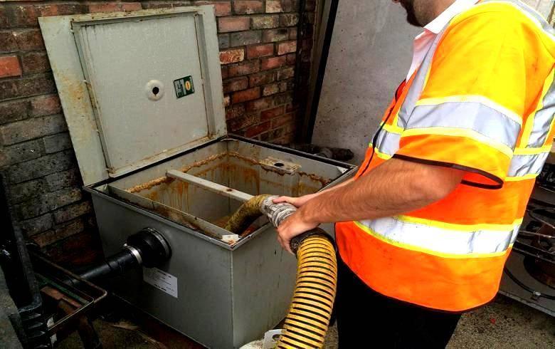 Жироуловитель для ресторана: установка в канализацию, принцип действия