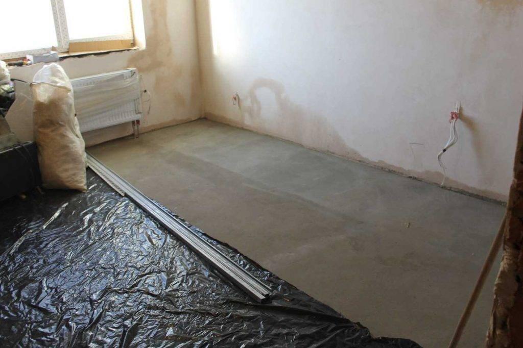 Гидроизоляция пола в квартире: обзор изоляционных материалов и правила работы с ними
