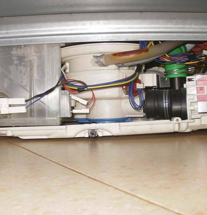 Неисправности стиральных машин электролюкс с вертикальной загрузкой: основные поломки сма electrolux, ремонт, инструкция по разборке стиралки своими руками