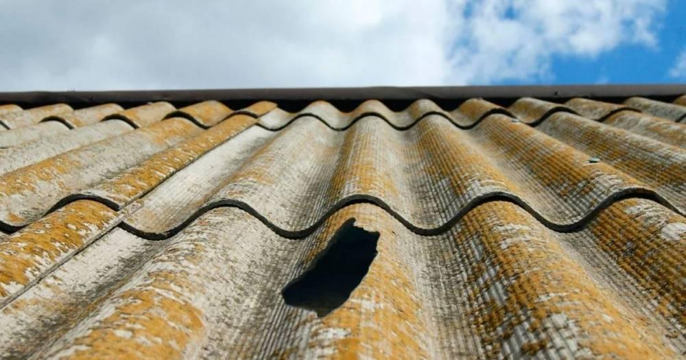 Ремонт шифера: чем заделать трещину на крыше, заклеить дыры, мастика и клей для дырок, как отремонтировать