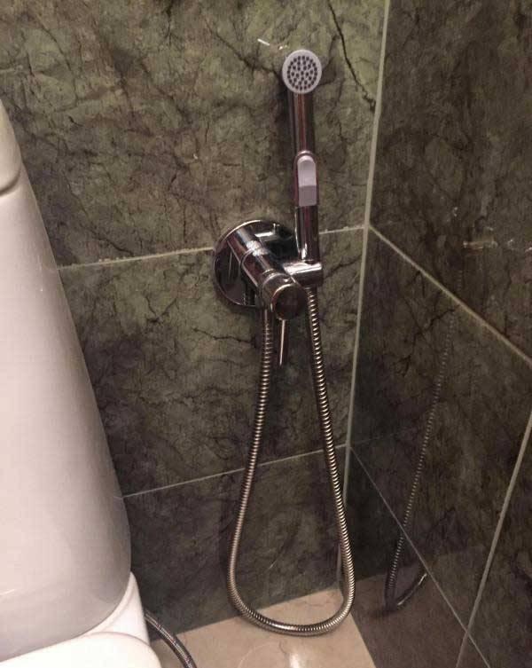 Какой гигиенический душ выбрать для унитаза со смесителем